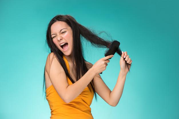 hidratação para cabelos quebradiços
